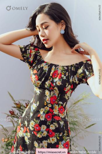 Váy Cổ Chun Hoa Cúc Nền Đen