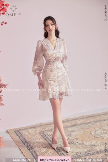 Váy Liền Cổ V Họa Tiết Nâu Be