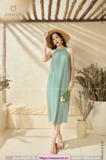 Váy Maxi Cổ Yếm Xanh Ngọc