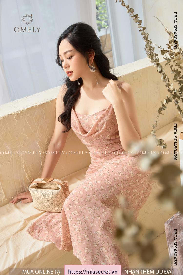Váy Liền Cổ Đổ Hoa Lá Hồng